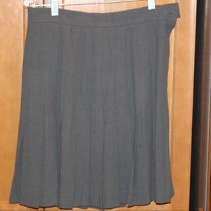 Vintage ESCADA gray pleated skirt